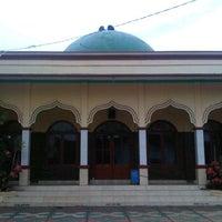 Photo taken at Masjid Jami' AL-HIDAYAH Sadang by Bhetz R. on 2/2/2012