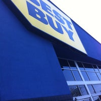Photo taken at Best Buy by Evelyn B. on 6/1/2012