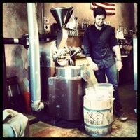 Снимок сделан в The Conservatory for Coffee, Tea & Cocoa пользователем Dustin C. 4/17/2012