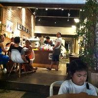 Снимок сделан в Pacamara Boutique Coffee Roasters пользователем Bow B. 2/12/2012