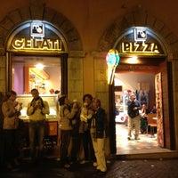 Foto scattata a Gelato In Trevi da Maria R. il 5/19/2012