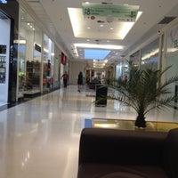 Foto tirada no(a) Boulevard Shopping por Manuel G. em 5/16/2012