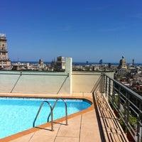 6/23/2012 tarihinde Anastasia K.ziyaretçi tarafından NH Gran Hotel Calderón'de çekilen fotoğraf