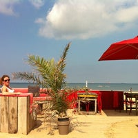 Photo taken at Beachclub Culpepper by Peter S. on 8/11/2012