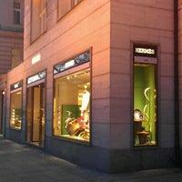 Das Foto wurde bei Hermès von Sergei Y. am 3/8/2012 aufgenommen