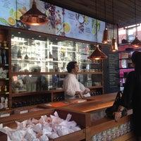Das Foto wurde bei Chobani von MAKIKO I. am 9/13/2012 aufgenommen