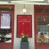 Das Foto wurde bei Cafe Engländer von Andrea C. am 4/18/2012 aufgenommen