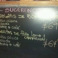 Foto tomada en Mondo Spaghetti por @NicolasFalcioni el 7/25/2012