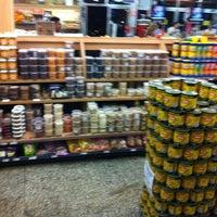 Photo taken at Varanda Frutas & Mercearia by Milton L. on 2/17/2012