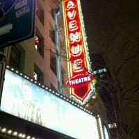 Photo prise au The 5th Avenue Theatre par Brenda S. le3/1/2012