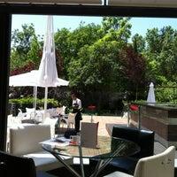 Foto tomada en Restaurante Cien Llaves por Patricia el 5/24/2012