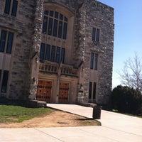Foto tomada en Newman Library por Nicole F. el 3/10/2012