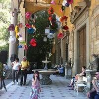 Foto scattata a Artigianato e Palazzo da Jacqui O. il 5/12/2012