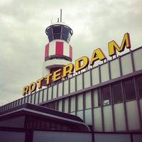 Das Foto wurde bei Rotterdam The Hague Airport von Bart van M. am 5/18/2012 aufgenommen