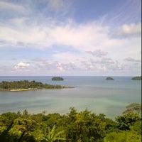 Photo taken at Sea Breeze Bangalow by Dendao A. on 4/19/2012