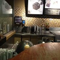 Foto tomada en Starbucks por Marco Antonio G. el 5/13/2012