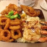 Photo taken at The Manhattan Fish Market by weeteng t. on 4/20/2012