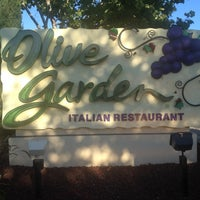 Photo taken at Olive Garden by Rosanna Y. on 6/28/2012