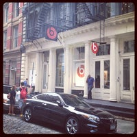 Photo taken at Beats By Dre Store by Rodney Antonio R. on 7/7/2012