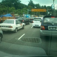 Photo taken at Federal Highway by Mr.4G . on 9/5/2012