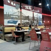 Photo taken at Burger King by Omar P. on 2/22/2012