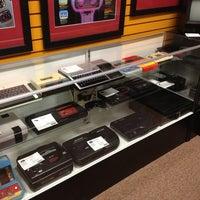 4/20/2012 tarihinde Allen A.ziyaretçi tarafından Game Over Videogames'de çekilen fotoğraf