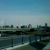 Photo taken at 四つ木橋 by K S. on 5/14/2012