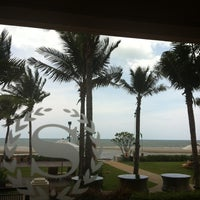Photo taken at Sheraton Hua Hin Resort & Spa by Suebsak1 on 5/7/2012