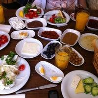 3/24/2012 tarihinde Ali Nehir Y.ziyaretçi tarafından Van Kahvaltı Evi'de çekilen fotoğraf