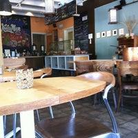 Foto tirada no(a) Kraftsmen Bakery & Cafe por Susan P. em 5/23/2012