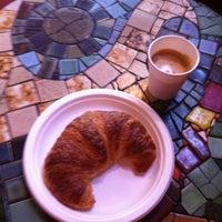 Das Foto wurde bei Caffe Trieste von David L. am 6/16/2012 aufgenommen