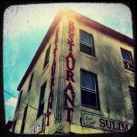 Das Foto wurde bei Sulimay's Restaurant von Scott B. am 6/7/2012 aufgenommen