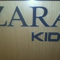 Photo taken at Zara by Leo Felipe C. on 7/21/2012