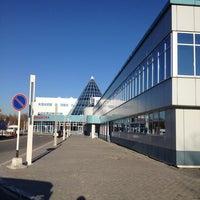 Photo taken at Khanty-Mansiysk International Airport (HMA) by buugiebuu on 5/14/2012