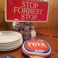 Photo taken at Bubba Gump Shrimp Co. by Janice K. on 6/28/2012
