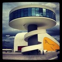 Photo taken at Oscar Niemeyer International Cultural Centre by Osiris P. on 4/22/2012