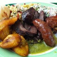 Снимок сделан в Pampas Grill Farmers Market пользователем José L. 4/17/2012