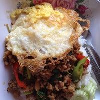 Photo taken at เจ้ทิพย์ อาหารตามสั่ง by พราว เ. on 6/8/2012