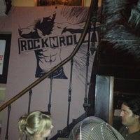 8/30/2012 tarihinde Danyziyaretçi tarafından Rock N Rolla'de çekilen fotoğraf
