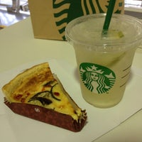 Photo taken at Starbucks by ใหม่ A. on 7/28/2012