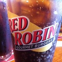 Photo taken at Red Robin Gourmet Burgers by Teddy W. on 5/30/2012