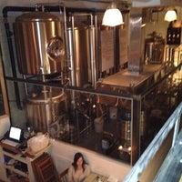 4/23/2012 tarihinde Martin M.ziyaretçi tarafından Bellwoods Brewery'de çekilen fotoğraf