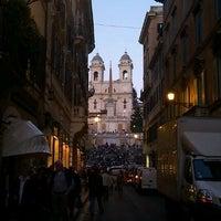 Foto scattata a Via dei Condotti da Irina M. il 3/28/2012