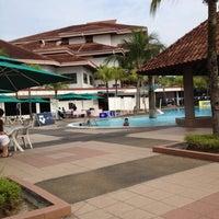 Photo taken at Bukit Jalil Golf & Country Resort (BJGCR) by Kah Yan on 7/15/2012