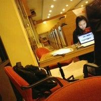 Снимок сделан в Platinum Internet Cafe & Game Online пользователем Imam Hendra S. 4/18/2012