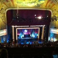 6/12/2012 tarihinde Ryan Y.ziyaretçi tarafından The Chicago Theatre'de çekilen fotoğraf