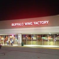 Снимок сделан в Buffalo Wing Factory пользователем Doug H. 9/8/2012