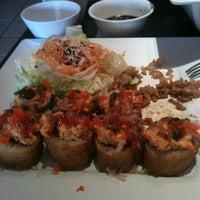 Foto tomada en Kashi Sushi & Bar por Talk2Erick E. el 5/4/2012