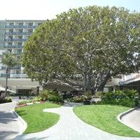 Foto tirada no(a) Fairmont Miramar Hotel & Bungalows por Paco M. em 5/8/2012