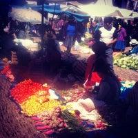 Foto tirada no(a) Pisac Market por Nathan F. em 8/12/2012